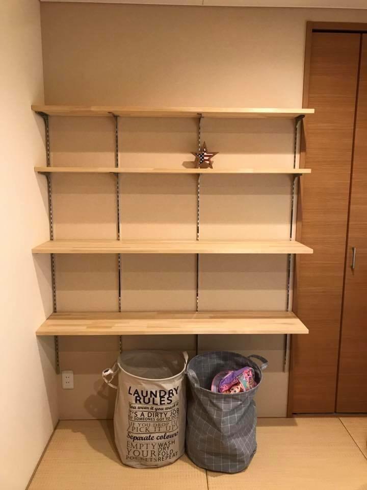 可動棚を取り付けました。高さを自由に変更可能。